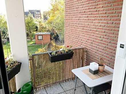 2-Zimmer-Wohnung mit großem Wohnzimmer, Duschbad und Balkon in Benrath
