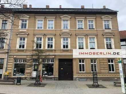 IMMOBERLIN: Klassisches Wohn- & Geschäftshaus im Ortskern