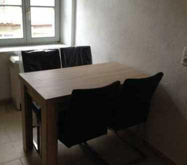 Mitten in der Stadt ein möbliertes Zimmer in einer 2er WG für Referendare