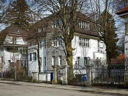 Freistehende Villa von 1910 - denkmalgeschützt, gewerblich und privat nutzbar