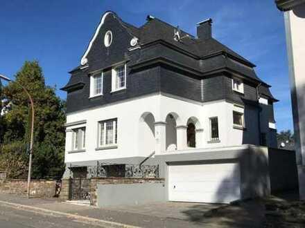 Aufgepasst! Außergewöhnliche Villa an Gewerbetreibende sowie Privat zu verkaufen