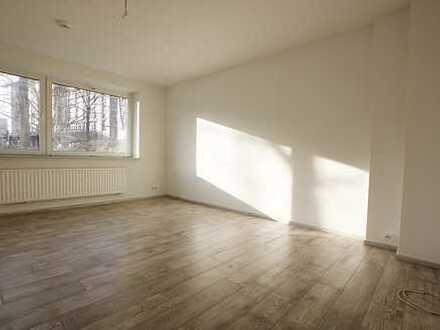 Renovierte 3-Zimmer Wohnung mit Terrasse