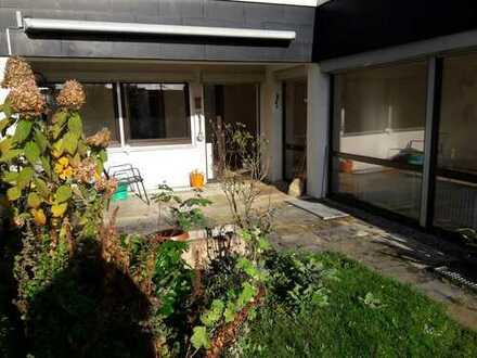 Terrassenwohnung mit Garten und Garage in Esslingen Sulzgries