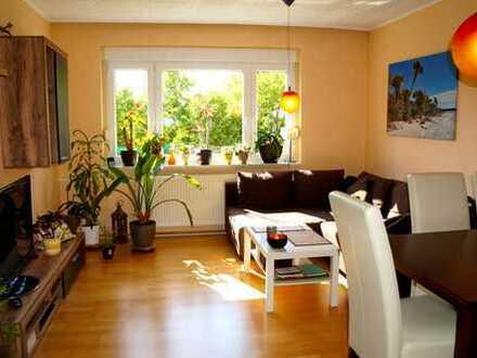 Wunderschöne, lichtdurchflutete Wohnung incl. Einbauküche und Auto-Stellplatz