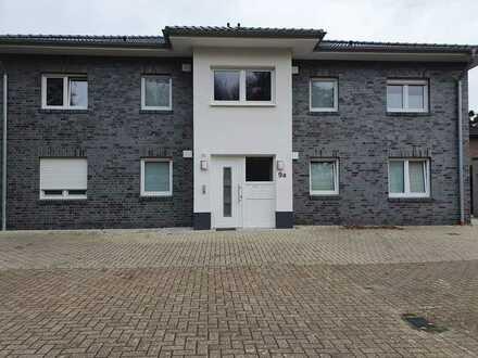 Neuwertige Wohnung mit zwei Zimmern sowie Balkon und Einbauküche in oldenburg
