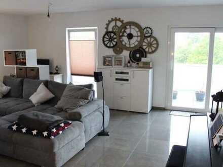 Helle und gemütliche Penthouse Wohnung mit 2.Balkonen