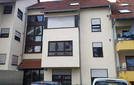 Helle 1 Zimmer-Wohnung mit TG-Stellplatz