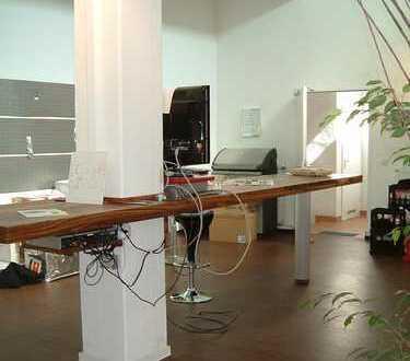 Arbeiten an der Elbe - außergewöhnliche Bürofläche