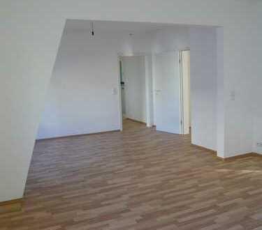 Sehr helle, praktische 3,5 Zimmer-Wohnung mit viel Stauraum in Esslingen
