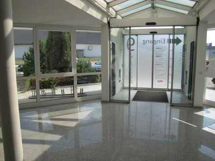 zentrale Lage - Büroetage mit Fahrstuhl + Archivräume