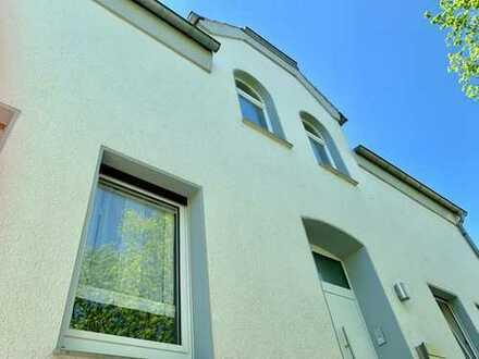 Komfortables und großzügiges Haus mit Designer-Wohnung und schönem Außenbereich