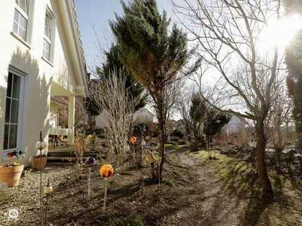 ***RESERVIERT***Schmuckkästchen mit romantischem Garten - nahe Erkheim!