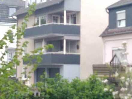 Helle Dachgeschosswohnung in Zentraumslage