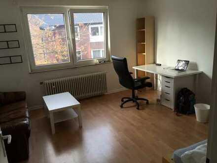 20qm Zimmer in 2er WG in Essen - Holsterhausen ab sofort, auf Wunsch gegen Abschlag voll möbiliert