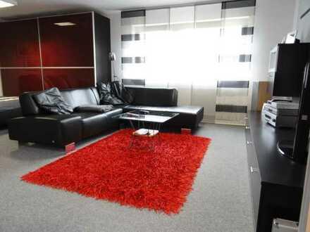 Moderne 1-2 Zimmer Wohnung mit Einbauküche