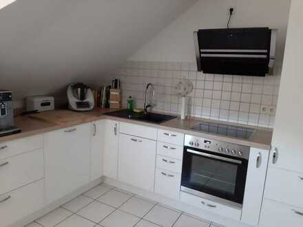 Vollständig renovierte 3-Raum-Dachgeschosswohnung mit Einbauküche in Rohrbach