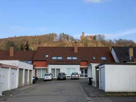 Attraktive 1-Zimmer-Wohnung mit Stellplatz, neuer Pantryküche, Terrasse und Keller in Kaiserslautern