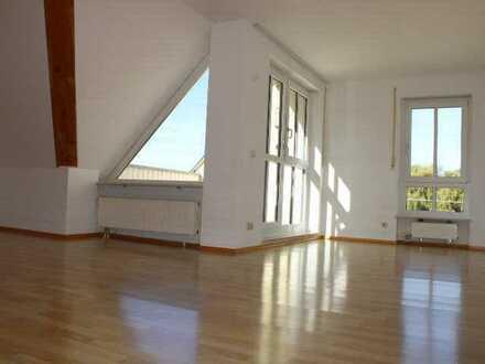 Über den Dächern Bobingens! Charmante 2 ZKB-Wohnung mit Dachterrasse