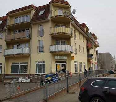 Schöne und helle Etagenwohnung mit Balkon