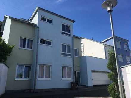 Schönes Haus mit acht Zimmern in Kaiserslautern, Innenstadt