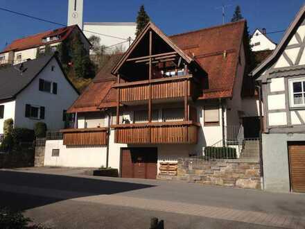 1 Zi. DG-Wohnung im gepflegten Mehrfamilienhaus