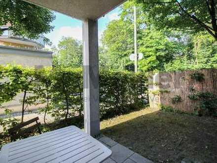 Hell, urban, naturnah: Schicke EG-ETW mit Terrasse und Garten in München-Sendling!