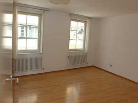 Gepflegte 3-Zimmer-Wohnung mit EBK in Tübingens Altstadtkern