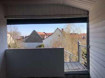 frisch renovierte 3 Zimmer Wohnung mit Loggia im 2 OG