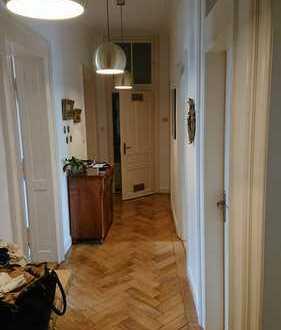 Großzügige, gut geschnittene 4,5 Zimmer Altbauwohnung in Nürnberg, Johannis