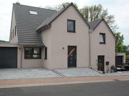 Schönes, geräumiges Haus mit zwei Zimmern in Aschaffenburg (Kreis), Blankenbach