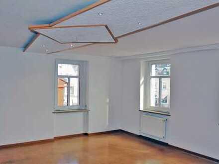 Günstige, vollständig renovierte 3-Zimmer-Wohnung zur Miete in Erzgebirgskreis