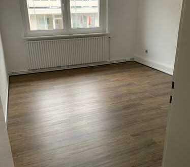WG geeignete 3 Zi./Küche/Diele/Bad/Keller frisch renoviert!