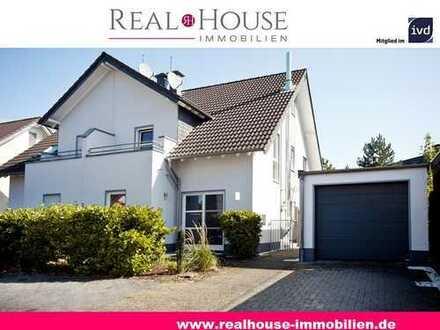 REAL HOUSE: Ein Schmuckstück in Troisdorf-Kriegsdorf! Hochwertig-modern-einzigartig