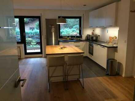 Großzügiges WG-Zimmer (19qm) in neu sanierter 108 qm Wohnung in Alt-Bocklemünd