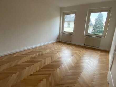 Schöne frisch sanierte Zwei-Zimmer-Wohnung in Krefeld