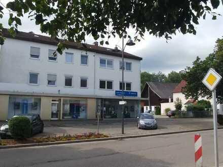 Erstbezug nach Sanierung: schöne 4-Zimmer-Wohnung mit Balkon und Terrasse in Babenhausen