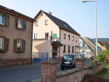 """*HTR Immobilien GmbH* Traditionsgaststätte """"Zur Alten Post"""" mit Wohnung im 1. OG u. DG, Biergarten"""