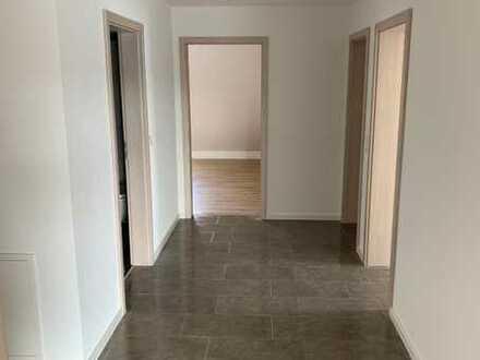 Erstbezug: freundliche 4-Zimmer-DG-Wohnung mit Balkon in Münsingen, Am Weißgerber