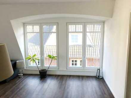1 1/2 Zimmer-Wohnung mit offener Einbauküche / hell / Süd- Balkon/ Energiehaus/ WLAN