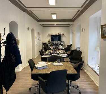 *Provisionsfrei* Helles Büro / Atelier mit großen Fenstern