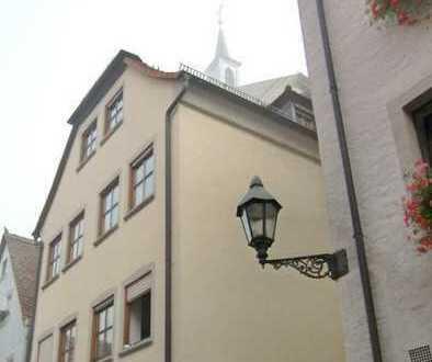 Helle 2-ZW mit EBK in der Altstadt !!