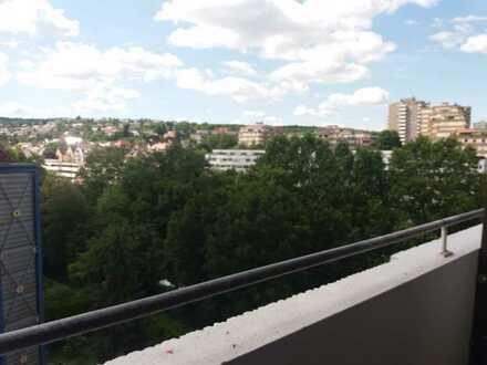 2-Zimmer-Wohnung mit 2 Balkonen und Tiefgaragenstellplatz in Stuttgart-Botnang