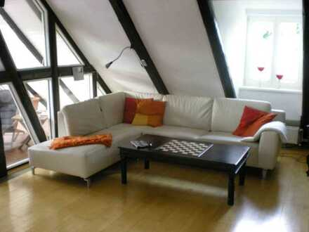 Sanierte Maisonette-Wohnung mit vier Zimmern sowie Balkon und EBK in Adelebsen