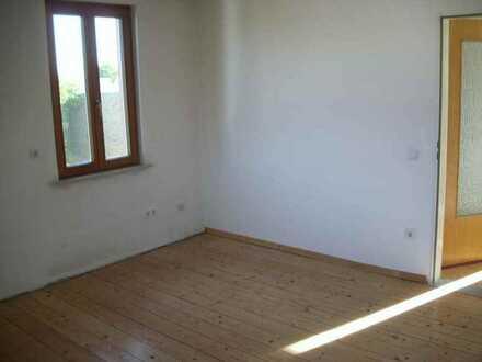 Schöne helle Wohnung in Mombach ( 'Belle etage')