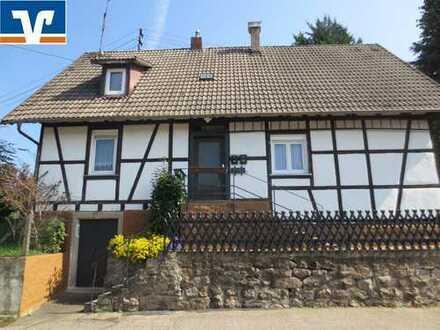 Ruhig gelegenes Fachwerkhaus auf großem Grundstück mit Bebauungsmöglichkeit in Gernsbach-Scheu