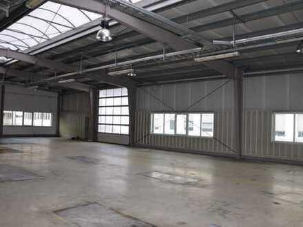 Hallen mit befestigter Außenfläche