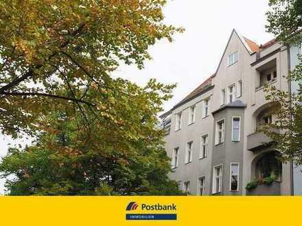 Ziehen Sie ein: Nahe Halensee/ Kurfürstendamm Seitenstraße 3 Zimmer und große Wohnküche in Altbau