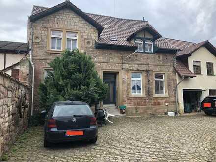 Rheinhessisches Bruchsteinhaus mit Einbauküche in Fürfeld