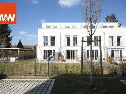 Modernes, neuwertiges Reihenmittelhaus mit Dachterrasse in Altperlach