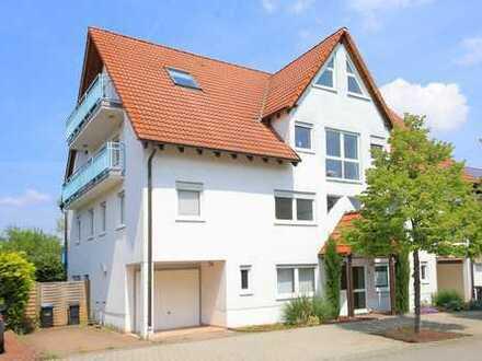 Großzügige Maisonette-Wohnung mit 2 Stellplätzen in einem 4-Parteien-Haus